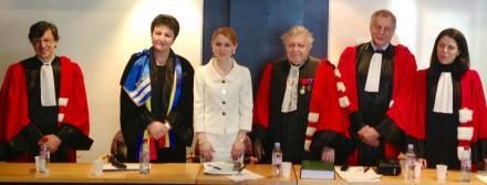 Juriul de la sustinerea tezei la Sorbona Paris I, cu prezenta deputatei si romanistei Ana Guțu, 2013